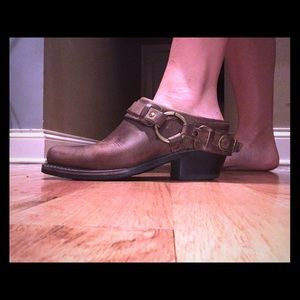 FRYE leather Wmns size 7 belted harness mule boot